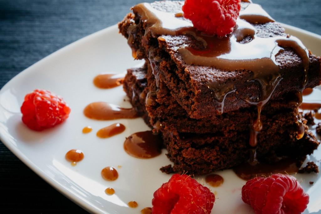 Easy chocolate cake | seefoodplay.com
