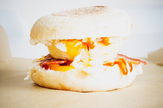Copycat mcmuffin breakfast sandwiches| seefoodplay.com