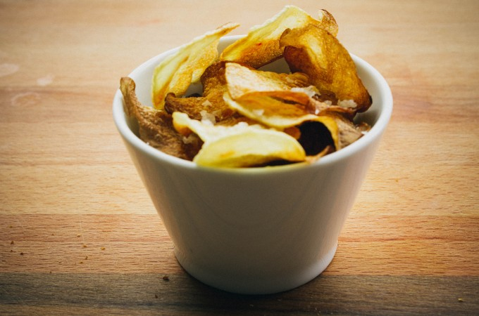 Homemade baked potato chips | seefoodplay.com
