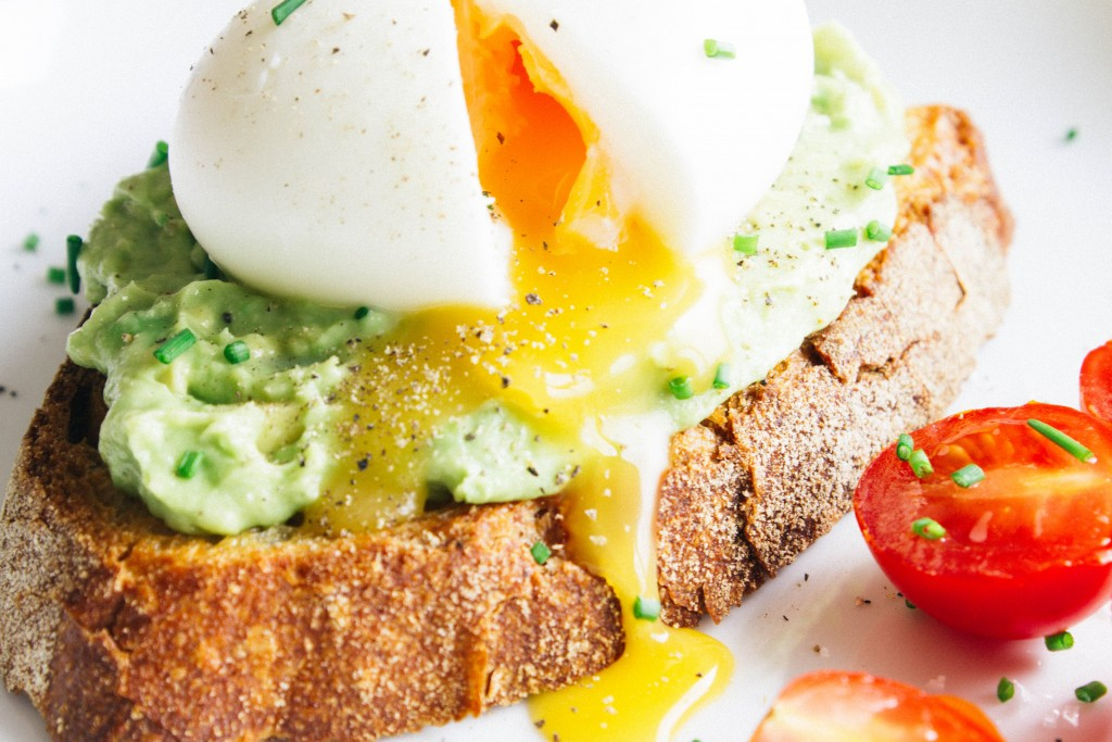 Avocado & soft-boiled egg toasts | seefoodplay.com