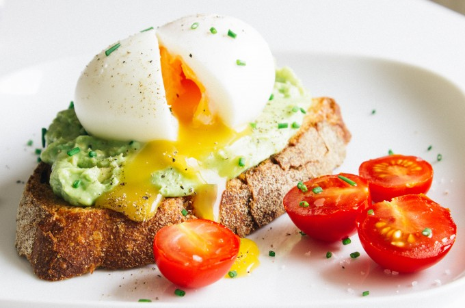 Avocado & soft-boiled egg toasts