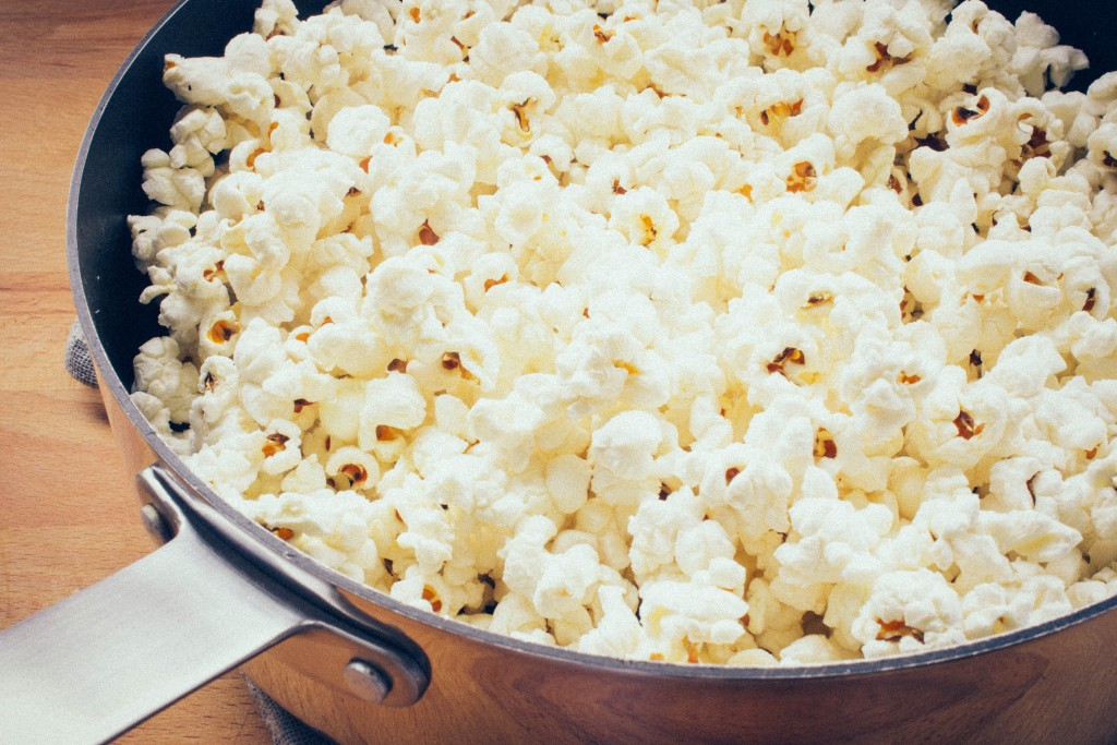 caramel covered popcorn | seefoodplay.com