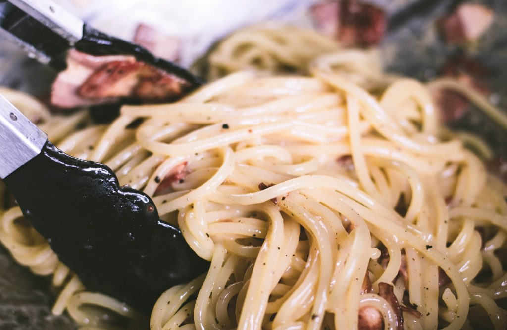 Authentic ish spaghetti carbonara | seefoodplay.com