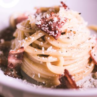Authentic ish spaghetti carbonara | seefoodplay.com