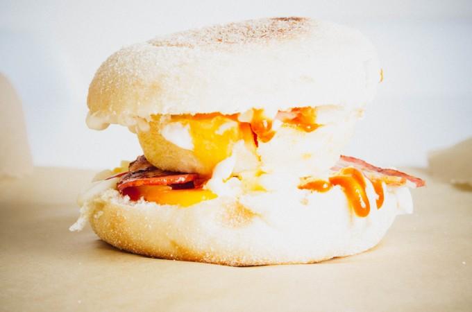 Copycat mcmuffin breakfast sandwiches| seefoodplay.com