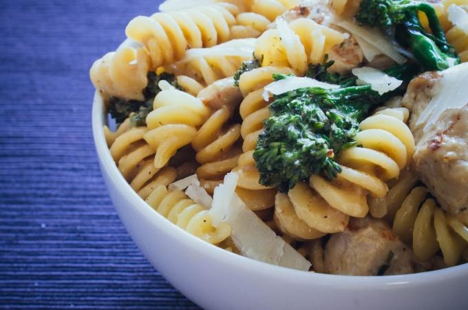 Creamy chicken & broccoli | seefoodplay.com