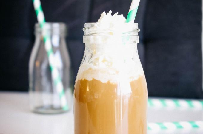 Copycat Starbucks Frappuccino | seefoodplay.com